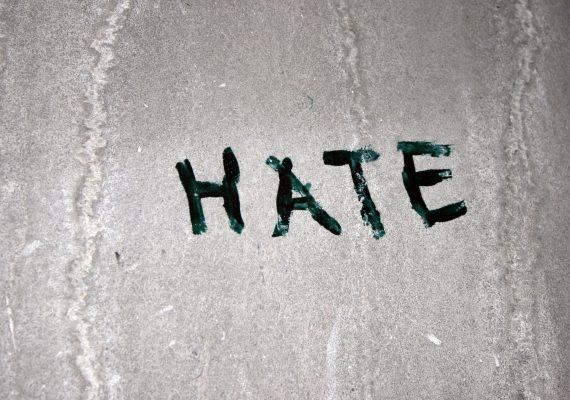 Kebencian, Ganas dan Mematikan
