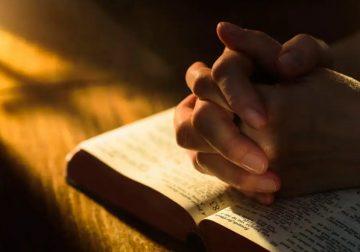 AjariAku Berdoa