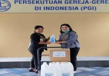 GMC 19 Berikan Bantuan Hand Sanitizer dan Masker kepada RS UKI