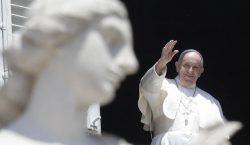 Paus Fransiskus Minta Rusia-Ukraina Hindari Perang