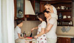 Tips Bangun Quality Time Bersama Keluarga Saat Weekend