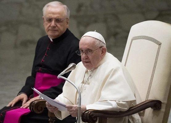Paus Fransiskus Publikasikan Surat Penyintas Pelecehan Seksual